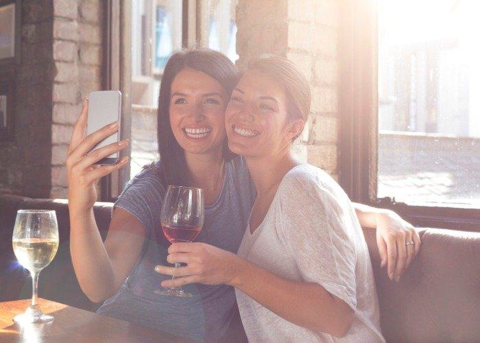 Avoid wine stains on teeth